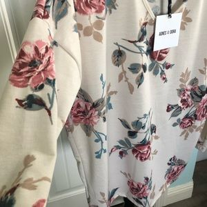 NWT floral hoodie pullover sweater light small 🦋